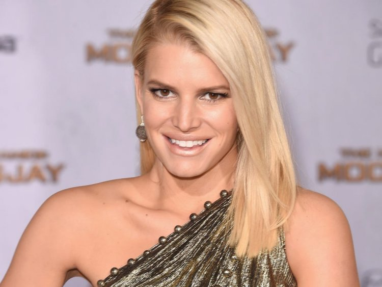 Jessica Simpson overcomes battle with alcohol and shares